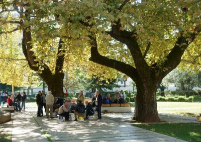 Albania  - Tirana, w parku